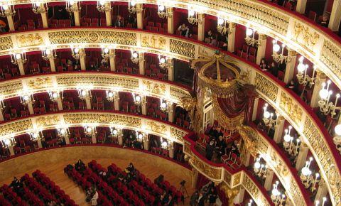 Teatrul San Carlo din Napoli