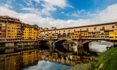 Podul Ponte Vecchio din Florenta