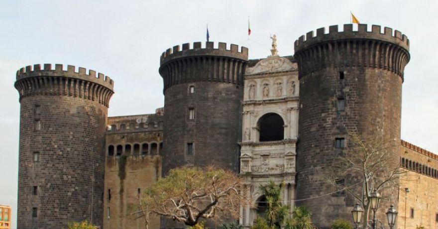 Castelul Nou din Napoli