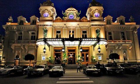 Cazinoul din Monte Carlo (noaptea)