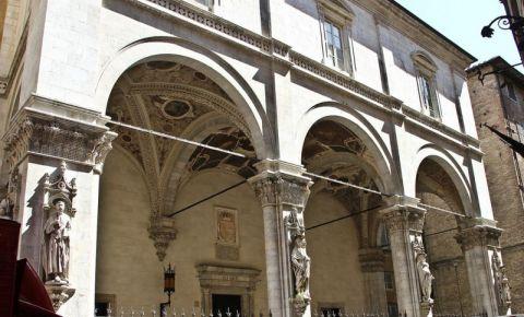 Lojile Papale din Siena