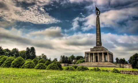 Memorialul Slavin din Bratislava