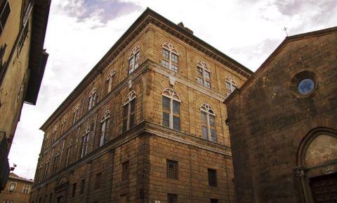 Palatul Piccolomini din Siena