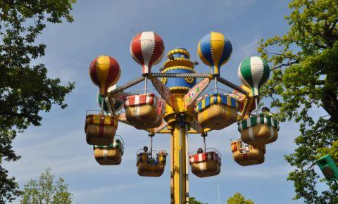 Parcul de Distractie Bakken din Copenhaga