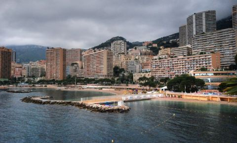 Plaja Larvotto din Monte Carlo