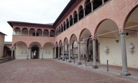 Sanctuarul Santa Ecaterina din Siena (exterior)