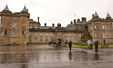 Palatul Holyroodhouse din Edinburgh