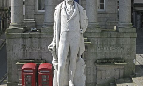 Statuia Humphry Davy din Penzance