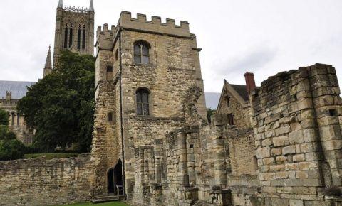 Palatul Medieval al Episcopului din Lincoln