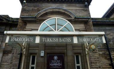 Baile Turcesti din Harrogate