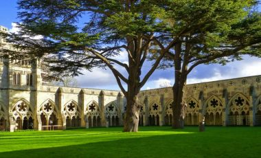 Curtea Catedralei din Salisbury