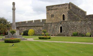 Zidurile Medievale ale Orasului Canterbury
