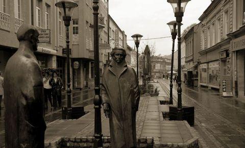 Statuia Participantilor la Revolta Miniera din Tuzla