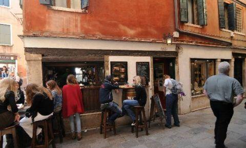 Restaurantul Corner Pub