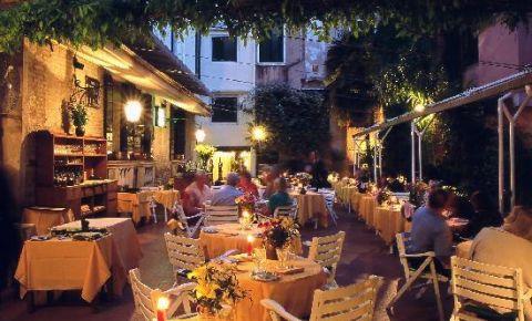 Restaurantul La Caravella