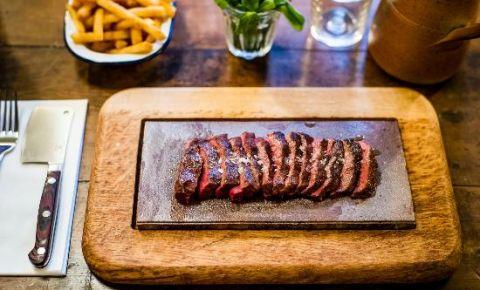 Restaurantul Flat Iron