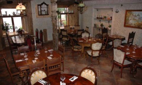Restaurantul Holy Mikos