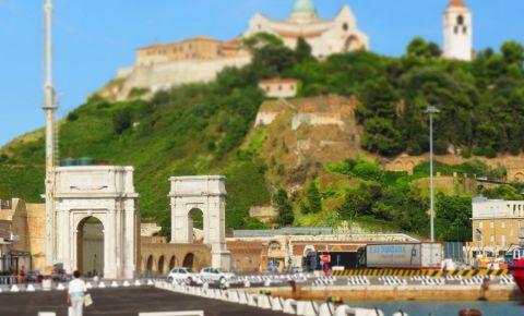 Arcul Clementino din Ancona