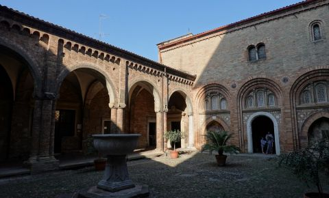 Basilica Santo Stefano din Bologna
