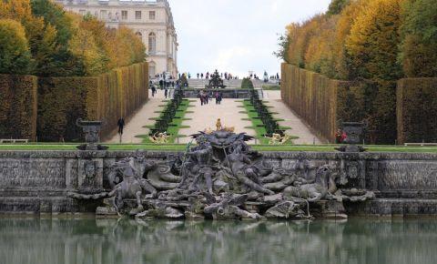 Bazinul lui Neptun din Versailles