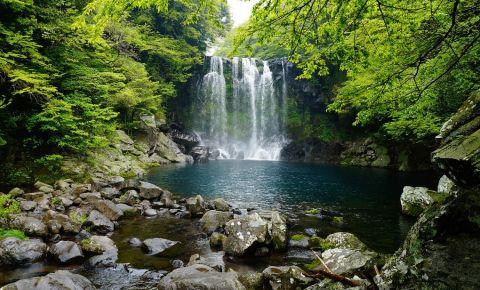 Cascada Cheonjiyeon din Jeju