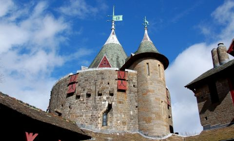 Castelul Coch din Cardiff