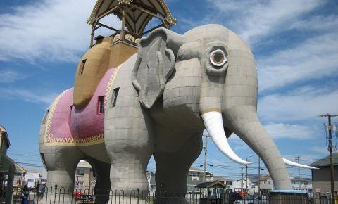 Elefantul Lucy din New Jersey
