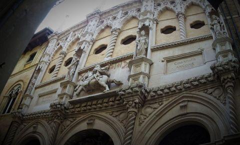 Loja Comerciantilor din Ancona