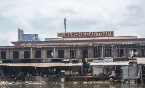 Piata Dantokpa din Cotonou