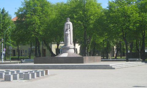 Monumentul Martynas Mazvydas din Klaipeda