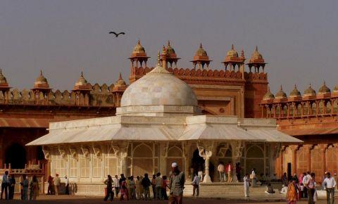 Mausoleul Khwaja Moinuddin Chishti din Ajmer