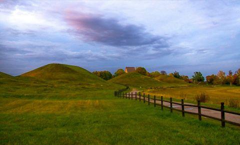 Mormantul Eroilor din Uppsala