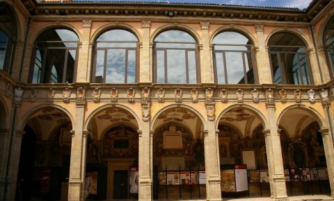 Palatul Archiginnasio din Bologna