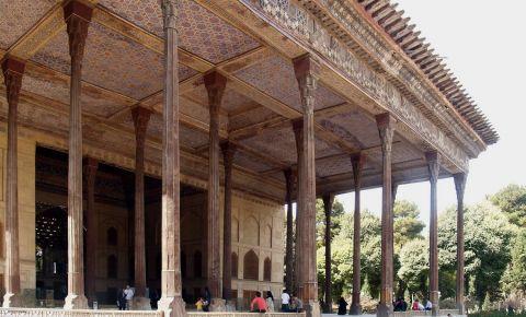 Palatul Chehel Sotun din Isfahan