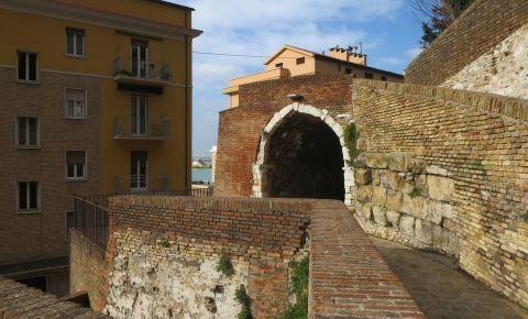 Palatul Episcopal din Ancona