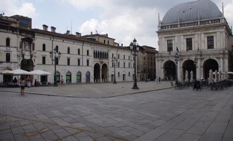 Palatul Monte di Pieta din Brescia