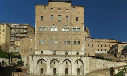 Palatul Batranilor din Ancona