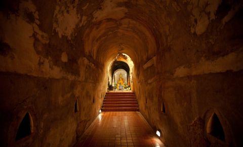 Pestera lui Buddha din Chiang Rai