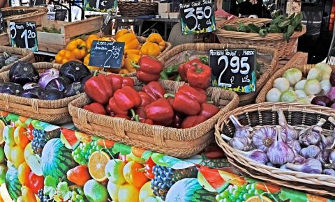 Piata Cours Saleya din Nisa