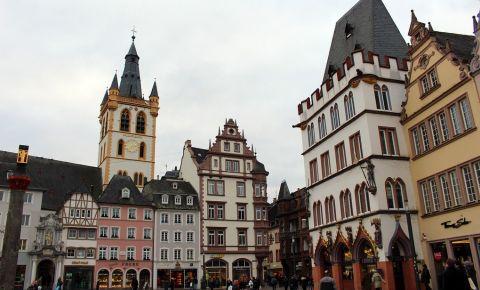 Piata Hauptmarkt din Trier