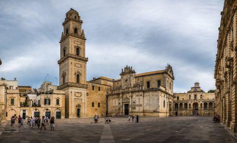 Piata Catedralei din Lecce