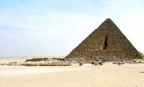 Piramida lui Menkaure din Giza