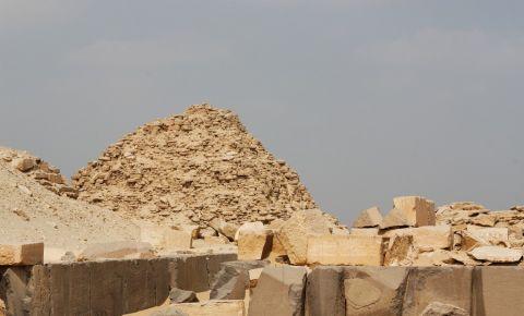 Piramida Sahure din Giza