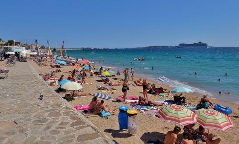 Plaja Gray Albion din Cannes