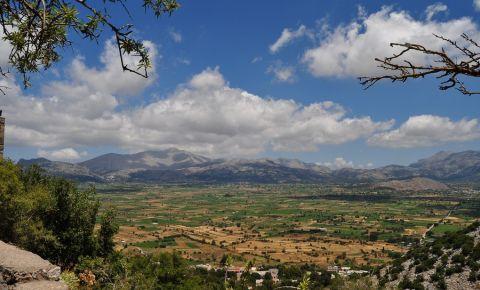 Platoul Lasithi din Insula Creta