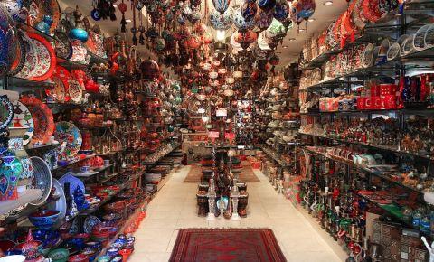 Pietele si magazinele din Kusadasi