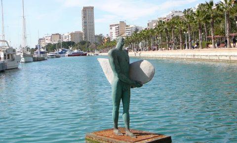 Statuia lui Icar din Alicante