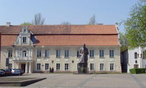 Statuia lui Maironis din Kaunas