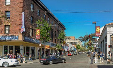 Telegraph Avenue din Berkeley