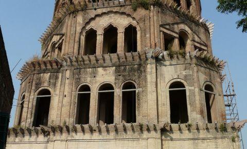 Turnul Satkhanda din Lucknow